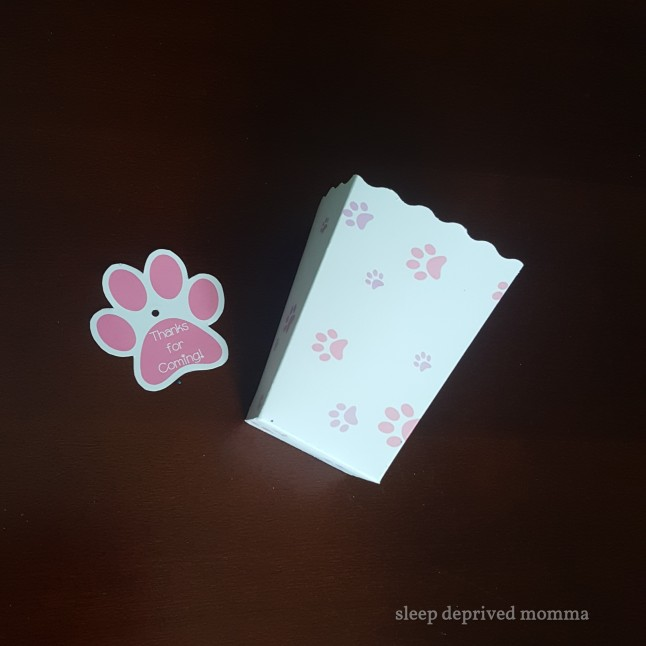paw print pop corn box with label.jpg